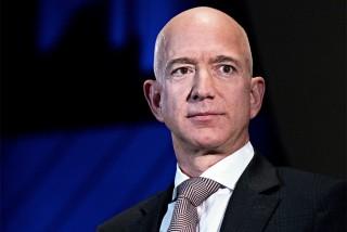 अमेजन मालिक बेजोस बने विश्वकै पहिलो धनी :  'सम्पत्ति  २ खर्ब डलर'