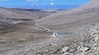 "चीनले  नेपाली भूमि अतिक्रमण  : "" नेपाली अधिकारीलाई चिनियाँ सुरक्षाकर्मीले रोके"""