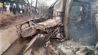 नाइजेरियामा ट्याङ्कर दुर्घटना हुँदा २५ जनाको मृत्यु