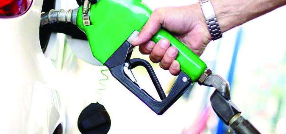 """पेट्रोलियम पदार्थको चोरी निकासी  : """"रोक्न निगमले ग¥यो कडाइ """""""