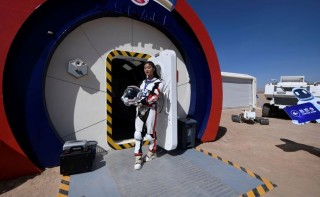 """चीन :  """"अन्तरिक्ष केन्द्रमा पठाइने यात्रीकाे लागि तयारी, यही साता उडान"""""""