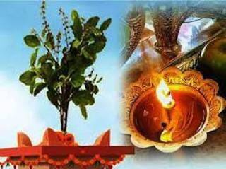 तुलसीको विशेष पूजा  : 'आजदेखि कार्तिक स्नान, आकाशदीप दान शुरु गरिँदै'